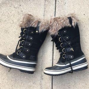 Sorel Joan of Arctic fur lined boots